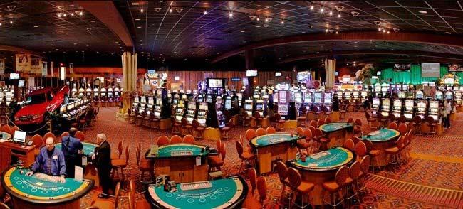 Người trên 18 tuổi mới có thể vào Casino
