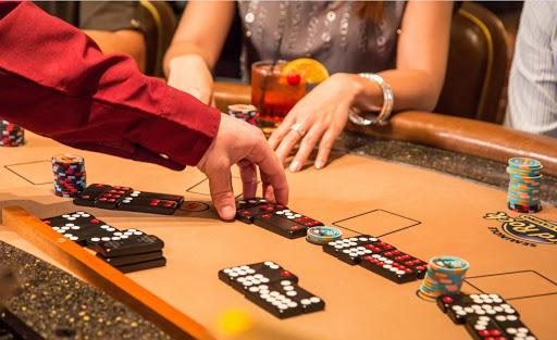 Pai Gow Tiles là một trò chơi kết hợp nhiều thể loại