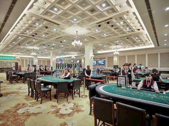 royal casino ha long bay dang kho khan