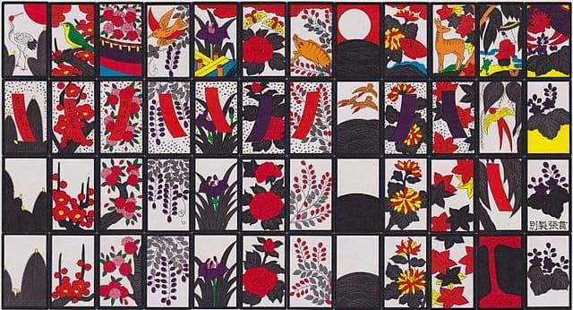 Các quân bài hoa được chia theo hình ảnh và theo từng tháng